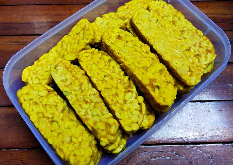 Resep Sempurna Tempe Ungkep Bumbu Kuning