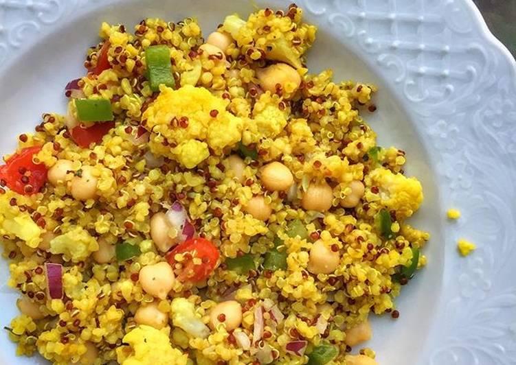 Quinoa salad with chickpeas - no oil needed! 💥