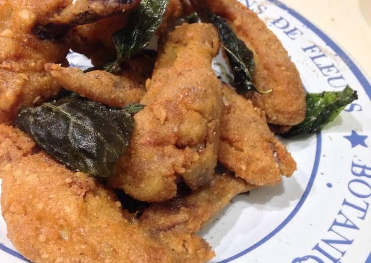Taiwanese Style Basil Fried Chicken Wings | Ayam goreng basil