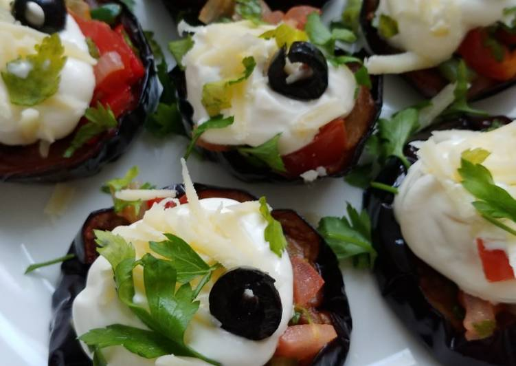 Step-by-Step Guide to Make Speedy Aubergine slices with sour cream