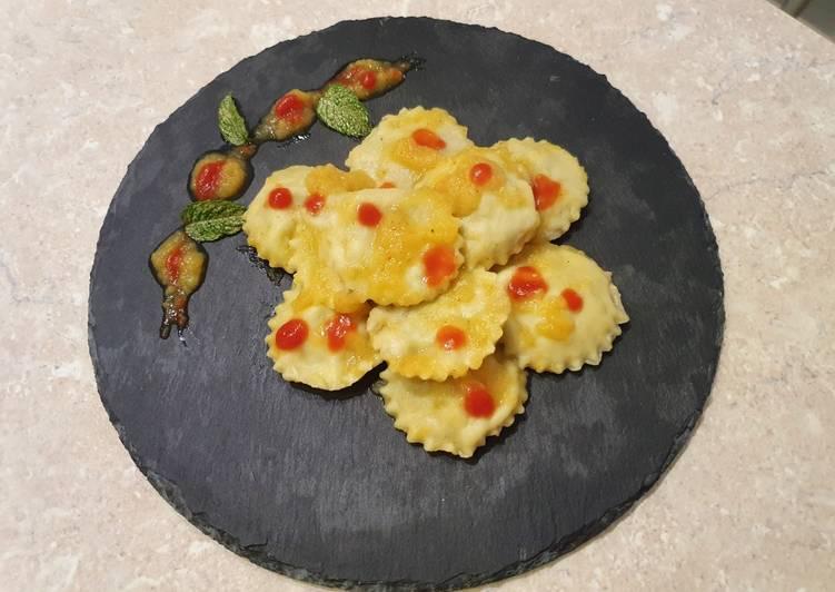 Ricetta Tortelli alle sarde speziate in salsa di pomodorini gialli