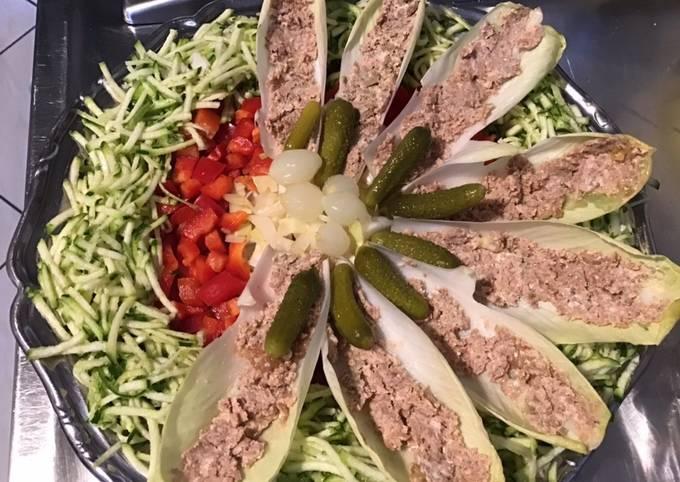 Salade surprise courgettes poivrons et barquettes d endives façon sandwich