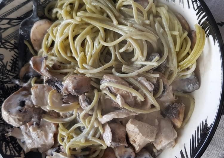Recette: Délicieux Poulet spaguetti quinoa champignon sauce