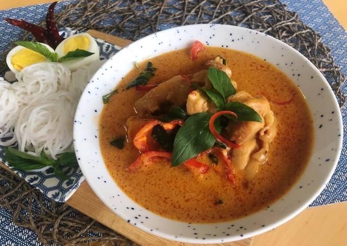 Thai Curry • How To Make Thai Red Curry Paste |ThaiChef Food
