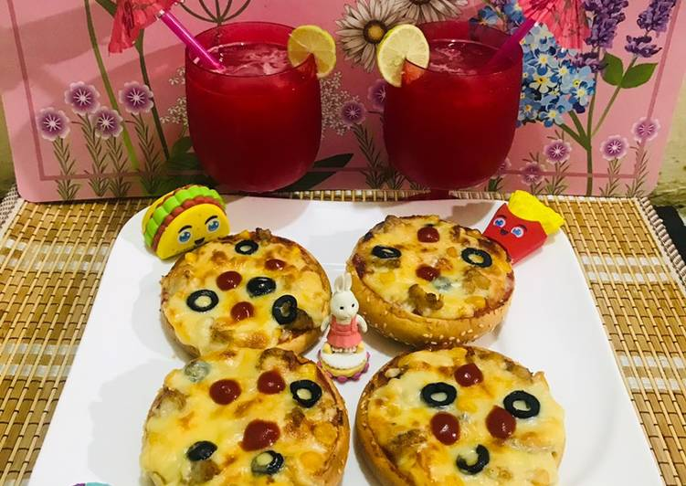 Pizza 🍕 buns with water melon 🍉 juice