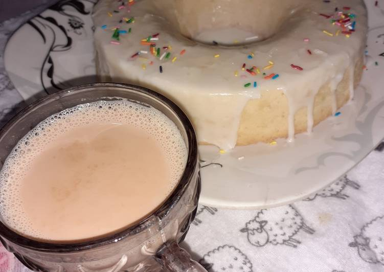 Lemon Bundt Cake with Tea