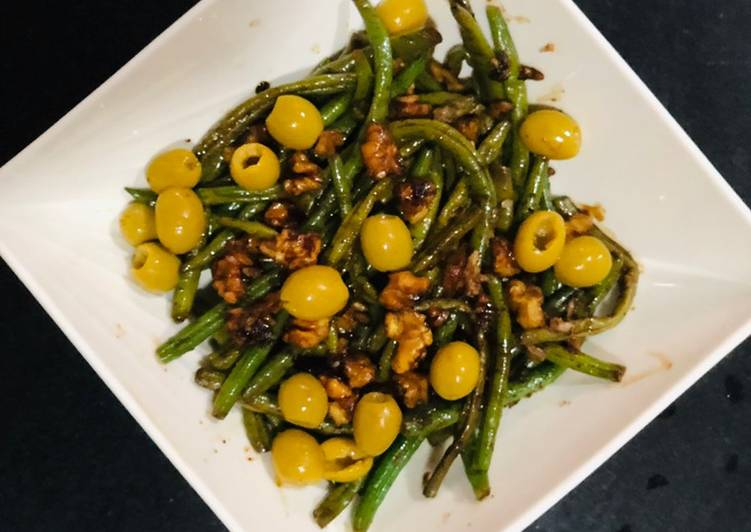 Steps to Prepare Award-winning Walnut string bean & olives salad