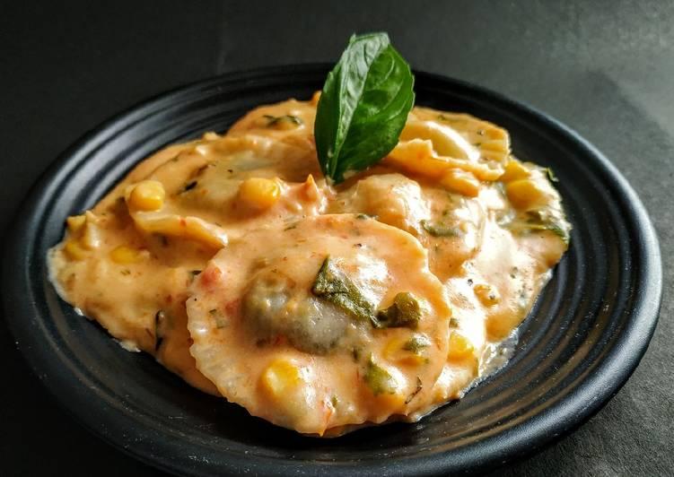 Ravioli (Stuffed pasta)
