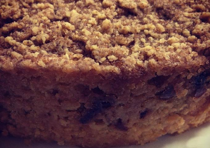 How to Make Quick Eggless Dates and Apple cake with streusel topping