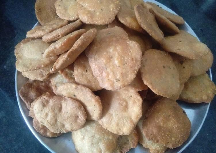 Simple Way to Prepare Homemade Ajwain mathri