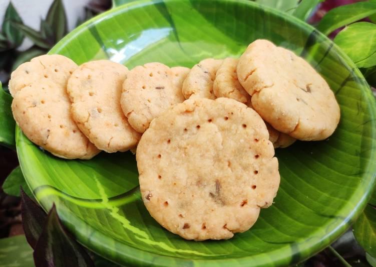 Recipe: Perfect Namkeen cheddar biscuit