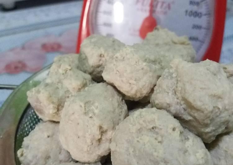 21. Bakso ayam kampung tanpa tepung