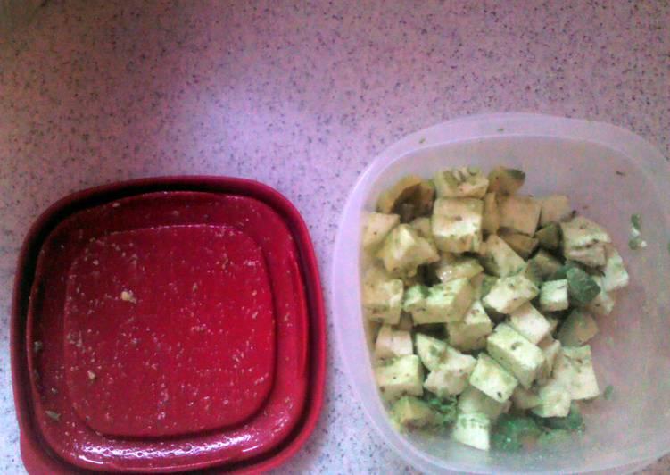 Avocado Mozzarella Salad