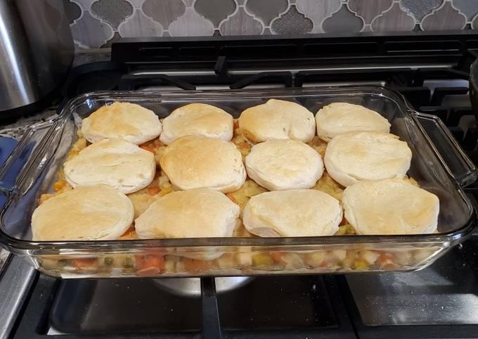 Chicken Pot Pie Casserole (Easy)