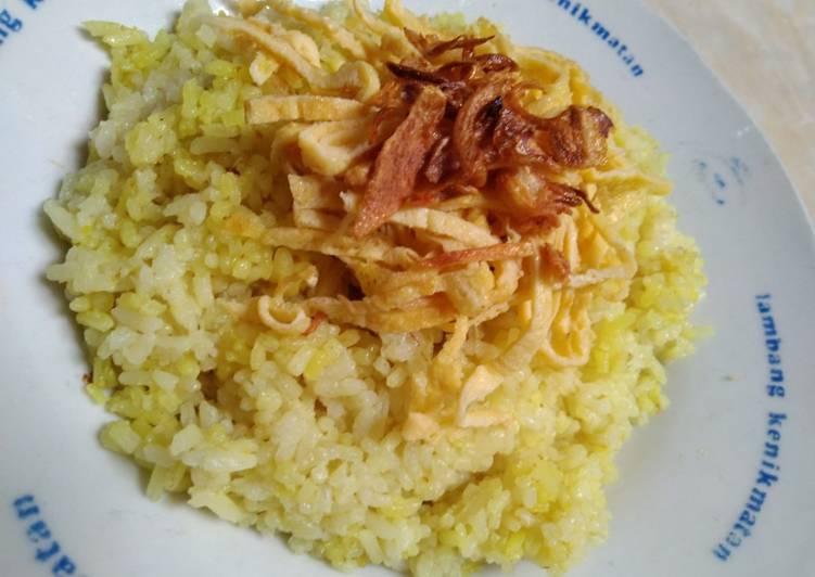Nasi uduk (kuning) ricecooker adesvi