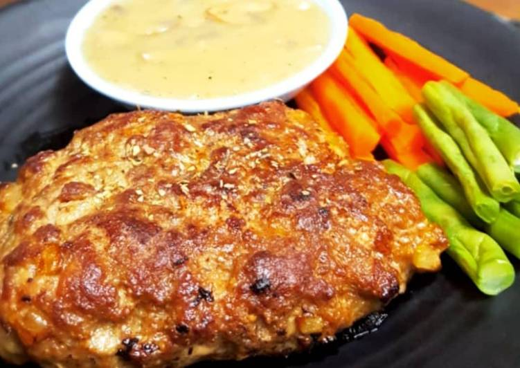 Beef Patty with Mushroom Sauce (Saus Jamur)