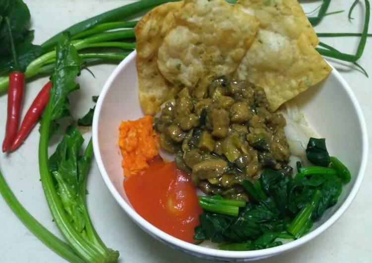 Mie (Kwetiaw) Ayam Jamur