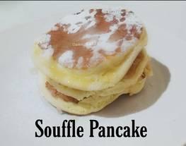 Japanese Fluffy Pancake (Souffle Pancake)