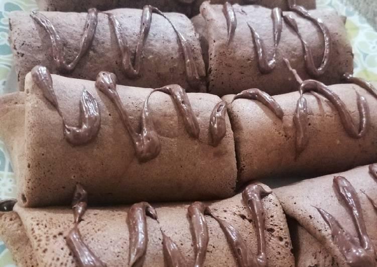 Dadar gulung pisang cokelat