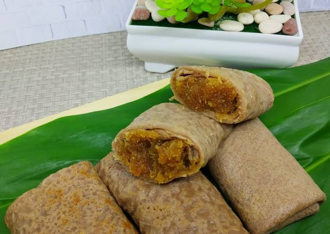 Resep Dadar Gulung Coklat Unti Kelapa Anti Gagal