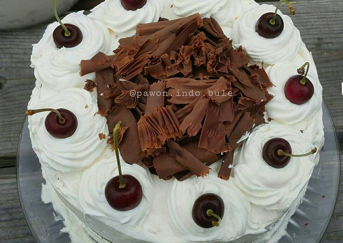 How to Prepare Favorite Black Forest Cake