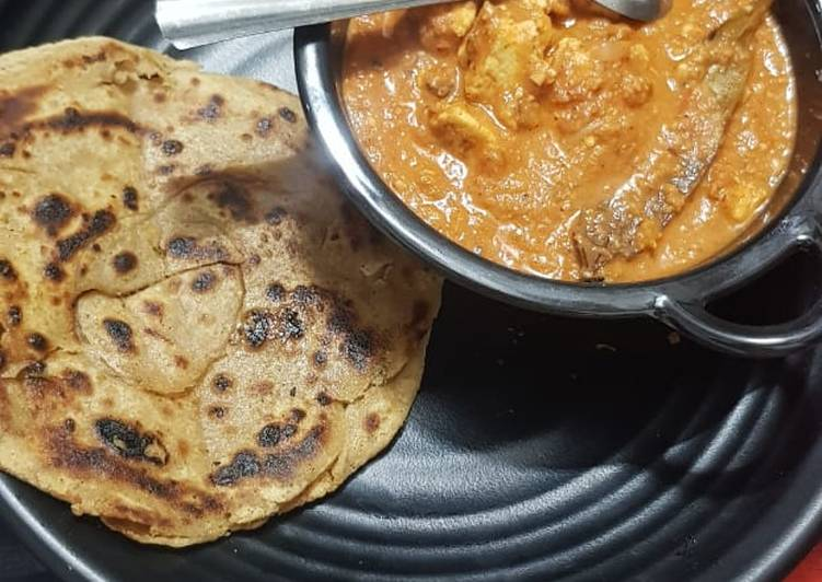 Shahi paneer with lacha paratha