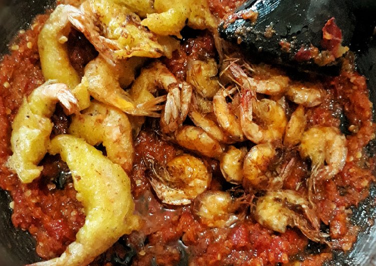Udang goreng sambal korek