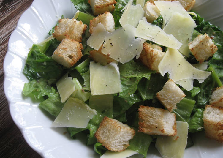 Step-by-Step Guide to Prepare Favorite Caesar Salad with My Legendary Caesar Dressing