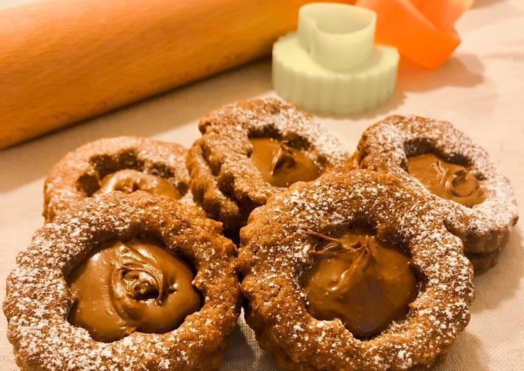 Ricetta Biscotti di frolla al cacao con ripieno di nutella