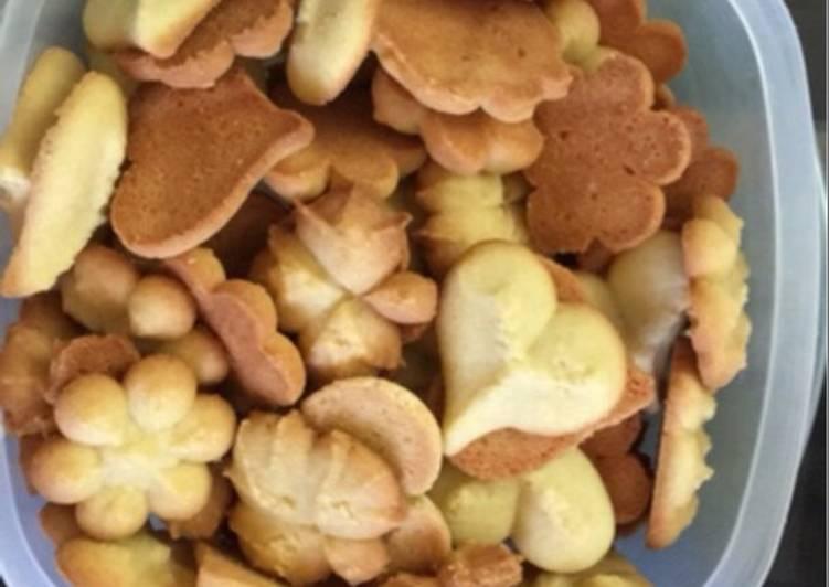 Petit four vanilla cookies