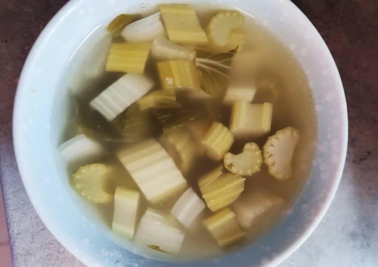 Bouillon aux légumes type Pho