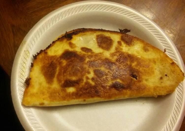 How to Prepare Super Quick Homemade Italiano pizza quesadilla