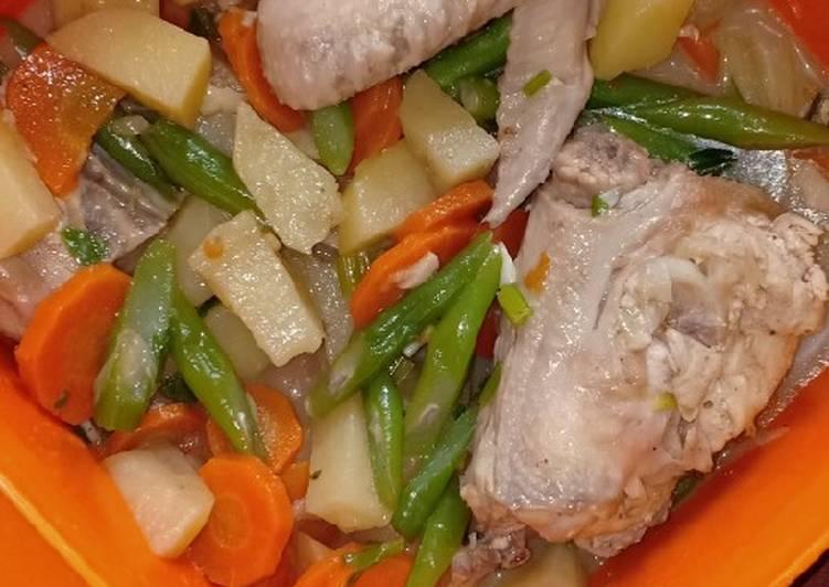Sup Ayam Wortel, Buncis, dan Kentang