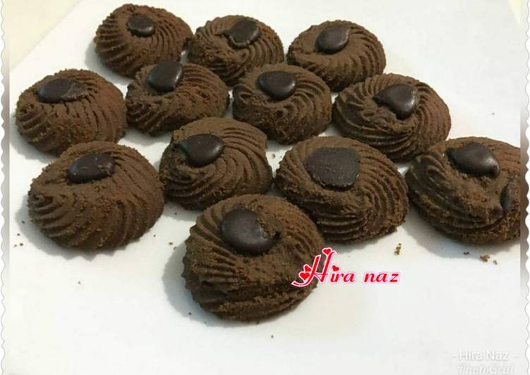 Simple Way to Prepare Top-Rated Chocolate Biscuits