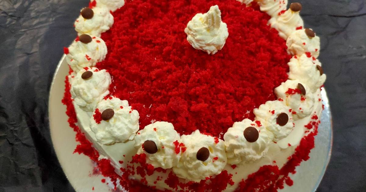 Classic Red Velvet Cake With Whipped Cream Frosting Recipe By Priyangi Pujara Favourite Feast The Veggie S Delight Cookpad