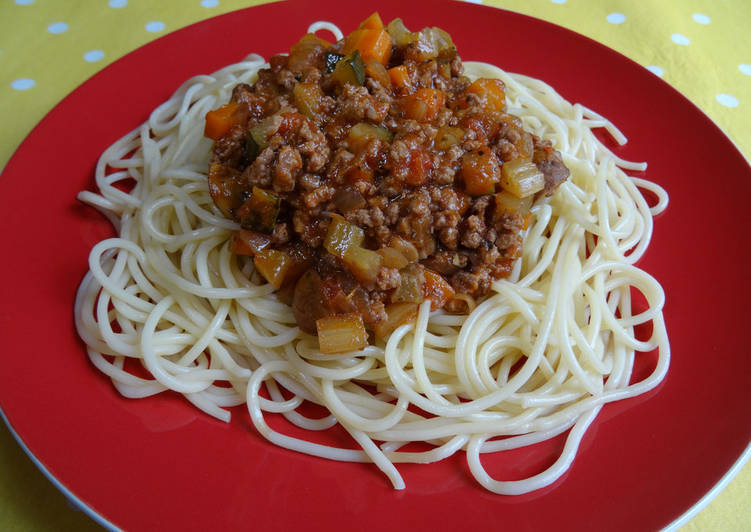 Meat & more veg bolognese