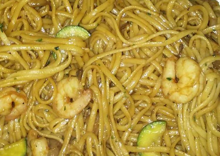 "Recipe: Perfect ""Thai"" Noodles with Shrimp"
