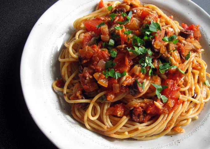 Spaghetti Puttanesca with Canned Mackerel