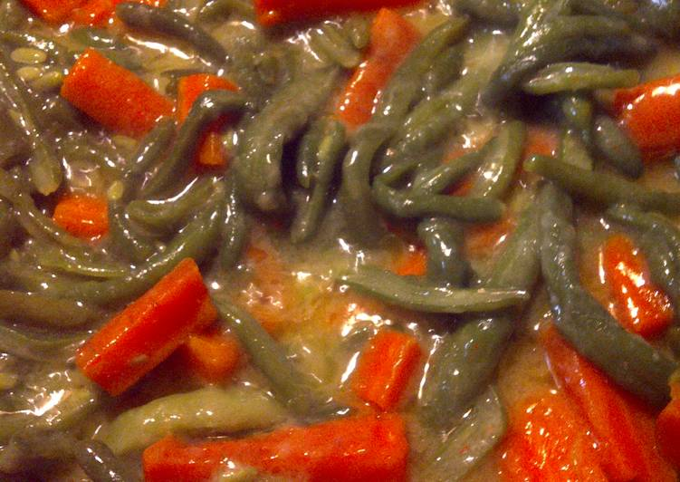 Creamy carrots and green beans