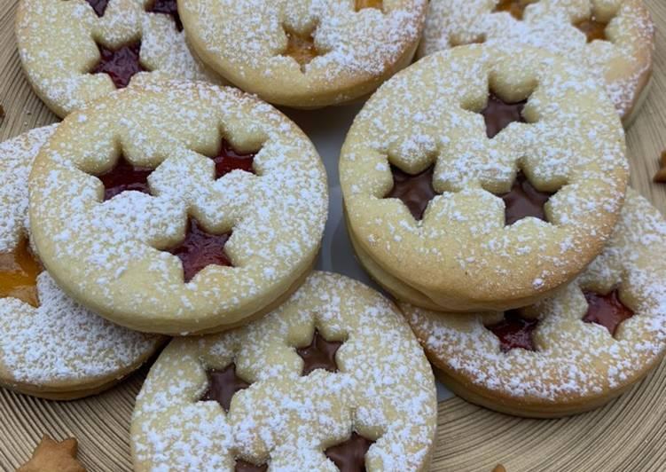 Steps to Prepare Quick Sablés de Noël à la confiture