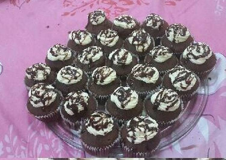 Discover How to Improve Your Mood with Food Chocolate Cupcakes