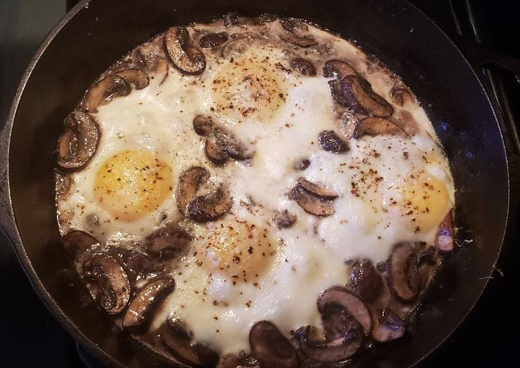Baked Eggs with Mushrooms and Cheese