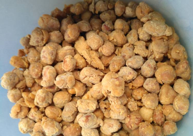 Kacang Telur Royco