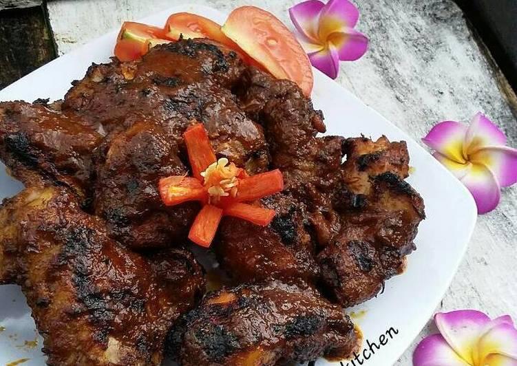 Ayam bumbu rujak ala BAMBOE