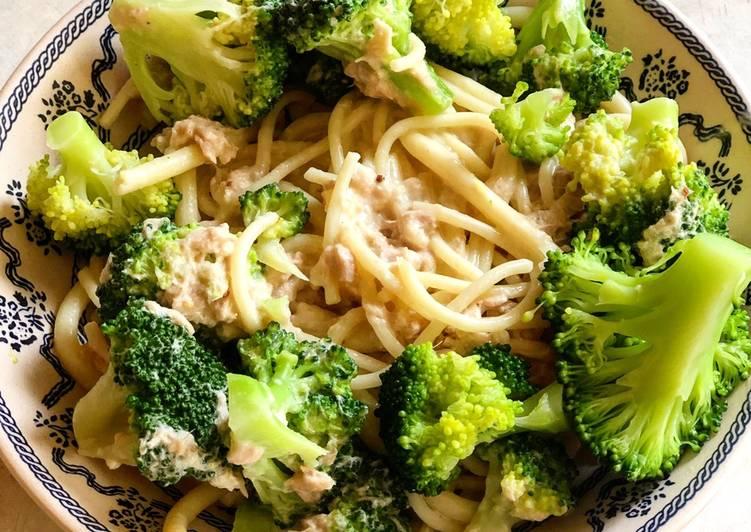 Spaghettis sauce thon et brocolis