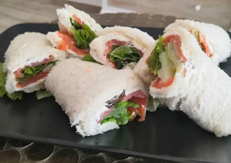 Ricetta Rotolini di Pan carrè salmone e verdure