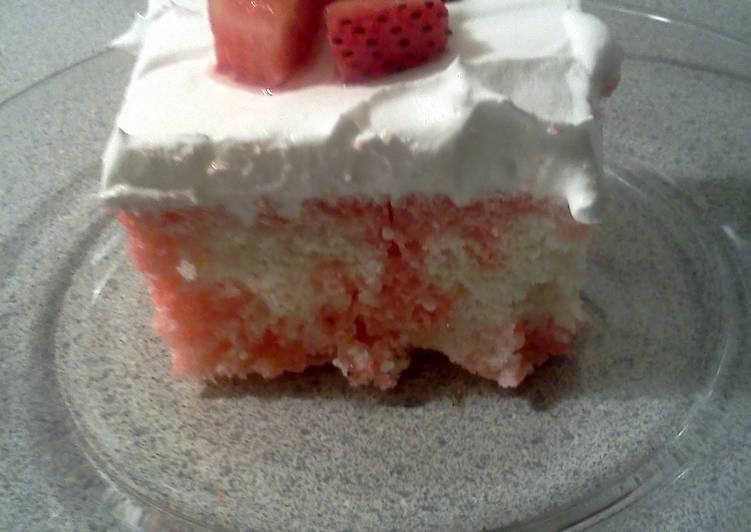 Strawberry Jello/Poke Cake