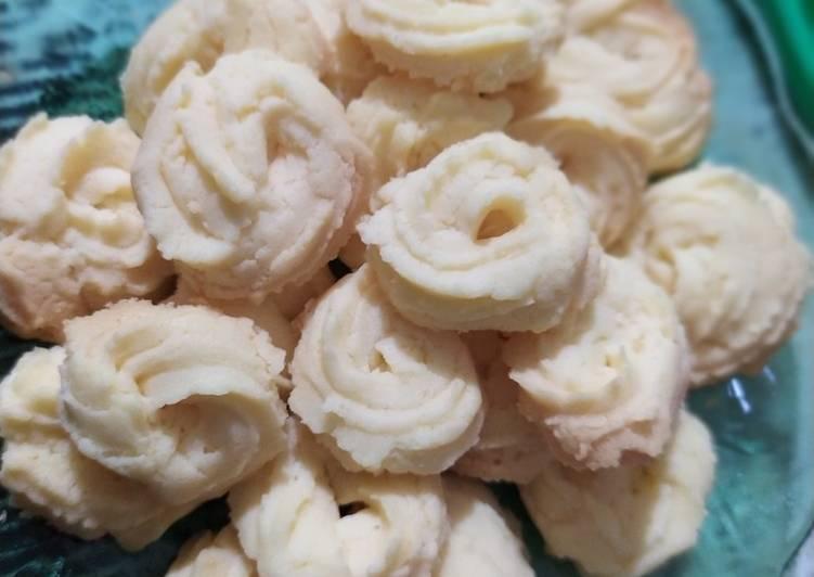 Cara Gampang Membuat 49. Kue Semprit Minimalis (pakai teflon tanpa mixer), Lezat Sekali
