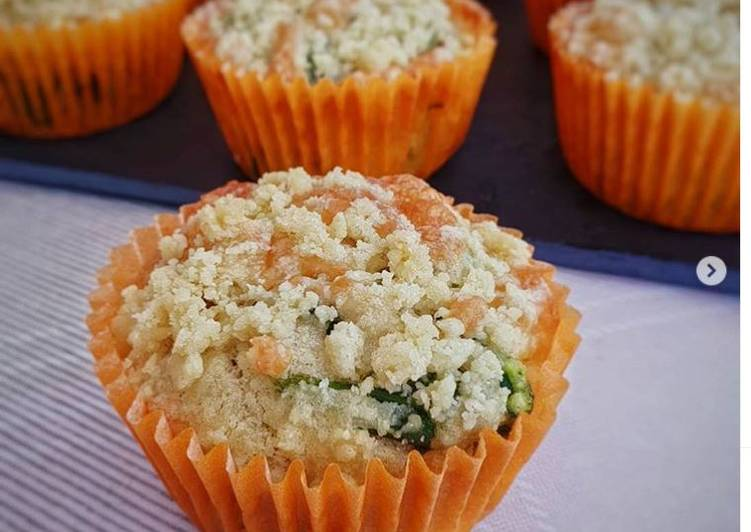 Easiest Way to Make Homemade Spinach, Feta and Pesto Crumble Muffins