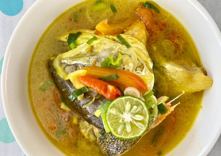 Salmon Fish Head Soup | Sop Kepala Ikan Salmon